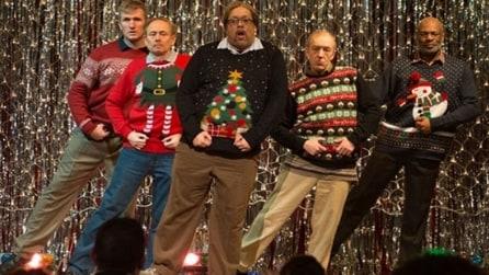 Esibizione a sorpresa di cinque papà per Natale