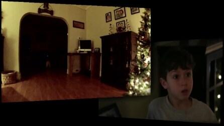 Filmano con la telecamera nascosta l'arrivo di Babbo Natale, la reazione del nipote