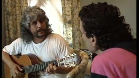 """Pino Daniele fa ascoltare """"Quando"""" a Massimo Troisi, un momento insieme incredibile"""