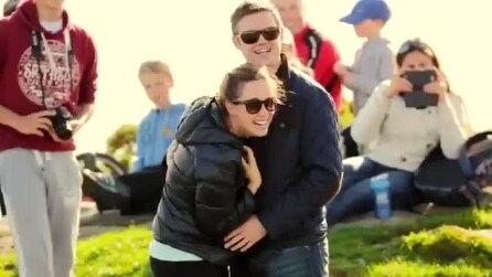 La proposta di matrimonio incredibile con l'aiuto di Bono