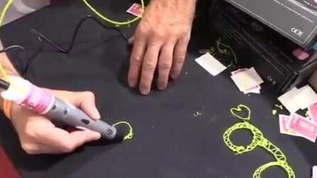 L'innovativa penna 3D con cui disegnare oggetti di plastica