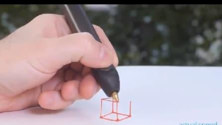 Ecco cosa puoi fare con una penna 3D: non solo disegni, ma anche gioielli e vestiti