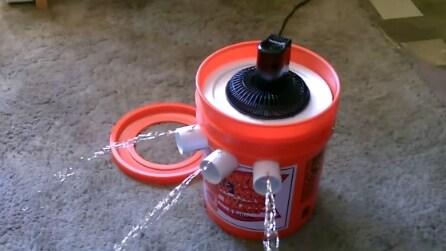 Usa un secchio per creare un condizionatore a energia solare.