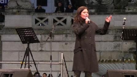 """Sabina Guzzanti contro Maria De Filippi """"Nemica dell'Umanità"""""""