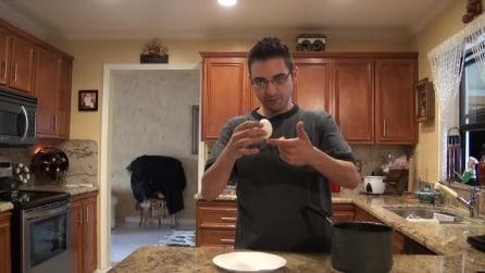 Come togliere il guscio all'uovo sodo con un soffio