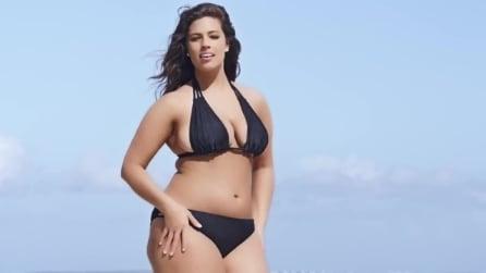 Ashley, la prima modella plus size che sponsorizza i bikini