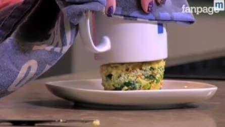 Come cuocere una quiche in una tazza nel forno a microonde