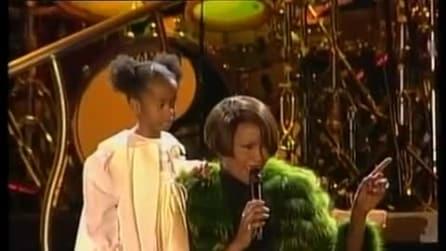 """Whitney Houston canta con la figlia """"My Love Is Your Love"""""""