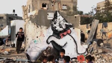 Banksy fra le macerie di Gaza: il documentario del re della street art