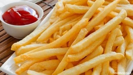Ecco come preparare le migliori patatine fritte: gustose e croccanti