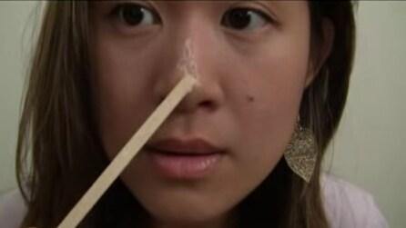 Spalma la colla sul naso, il risultato? Incredibile!
