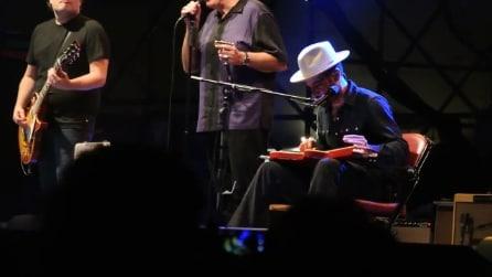 Ben Harper con Charlie Musselwhite al Pistoia Blues 2013
