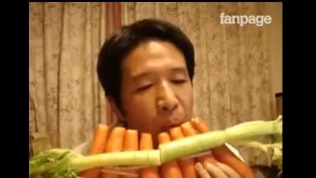 Uno strumento particolare: l'uomo che suona le carote