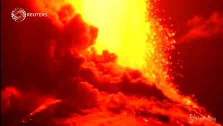 Cile, erutta il vulcano Villarrica: evacuate 3mila persone