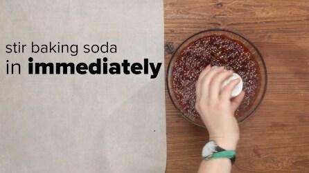 Mescola bicarbonato di sodio e arachidi in una ciotola, ecco cosa ottiene dopo la cottura