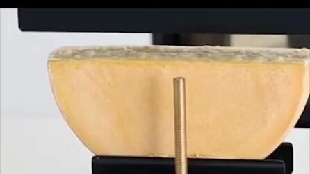 La piastra per fondere il formaggio