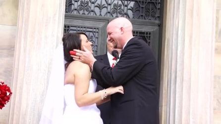 Sposo rovina il momento più romantico del matrimonio, lei reagisce così