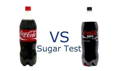 Fa bollire sul fornello prima la Coca Cola e poi la Coca Cola Zero: risultati differenti