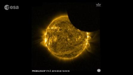 L'eclissi solare vista dallo spazio: immagini mozzafiato