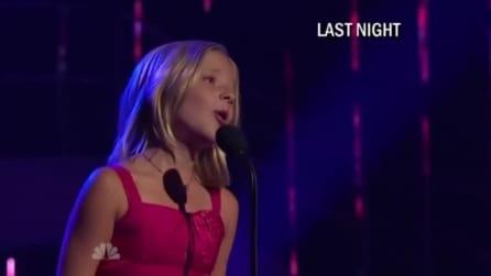 Ha solo 10 anni ma quando inizia a cantare emoziona tutti con la sua voce celestiale