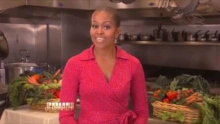 """Michelle Obama allo show """"Jeopardy"""": sembra calva ma è un falso allarme"""