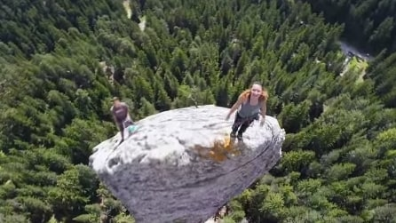 Francia, la scalata del monolite in soggettiva