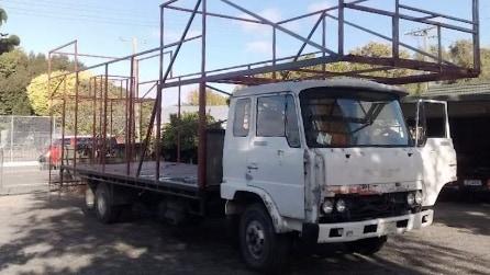 Sembra un normale camion ma diventa tutt'altro