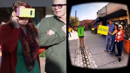 Indossa occhiali per la realtà virtuale e riceve la proposta di matrimonio più originale di sempre