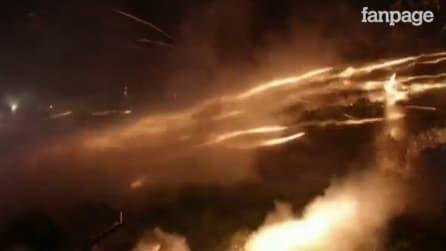 Grecia, migliaia di razzi e petardi sparati per festeggiare la Pasqua ortodossa