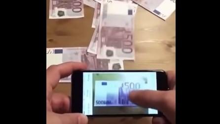 """Ecco lo smartphone che """"stampa"""" i soldi"""