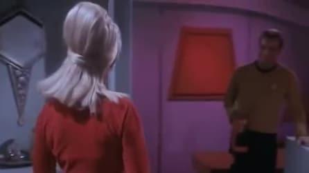 """Janice Rand in una scena di """"Star Trek"""""""