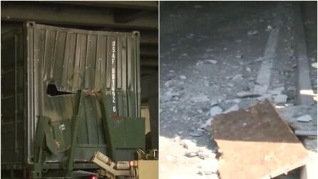 Vicenza: rimane incastrato sotto un ponte con un tir USA pieno d'armi
