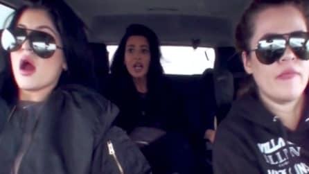 Il video dell'incidente di Kim Kardashian con Khloé e Kylie Jenner