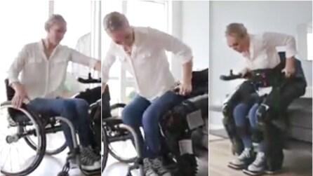 Dalla sedia a rotelle alle gambe robotiche: il miracolo è sotto i suoi occhi