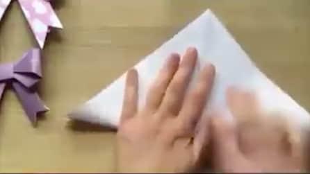 Piega il foglio in due parti e quello che realizza è sorprendente