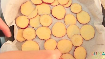 Sembrano mele tagliate a fette, pronte per una torta: ecco invece di cosa si tratta