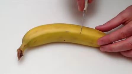 Taglia la punta della banana e in un minuto crea qualcosa di molto originale