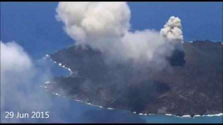 L'isola che ad ogni eruzione diventa sempre più grande