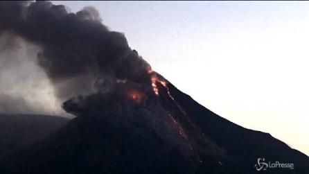 Messico: la spettacolare eruzione del vulcano Colima