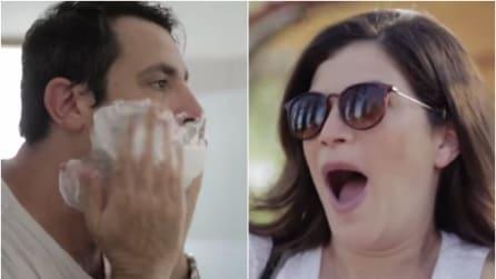 Taglia la barba dopo 14 anni: ecco come reagiscono i familiari appena lo vedono