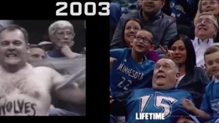 A distanza di 12 anni torna con i figli allo stadio: ecco cosa succede quando viene riconosciuto