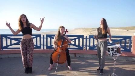 Le tre ragazze si esibiscono e quello che riescono a fare è davvero sorprendente