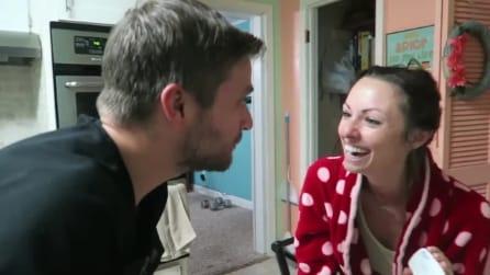 Il marito annuncia alla moglie di essere incinta: l'incredibile sorpresa
