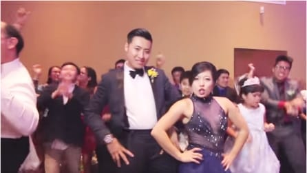 """Il """"ballo degli sposi"""" più folle e spettacolare che abbiate mai visto"""