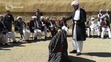 Afghanistan, 100 frustate in pubblico per uomo e donna adulteri