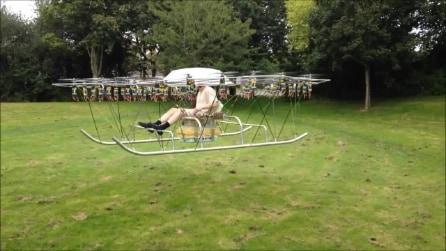 Elicottero o drone? Il piccolo velivolo fatto completamente in casa