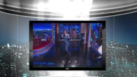 """Stephen Colbert apre il """"Late Show"""" con l'Inno Nazionale Americano"""
