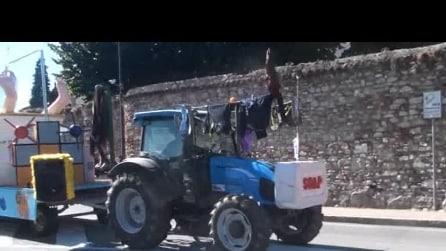 59° festa dell' uva a Trescore Balneario del 2015 sfilata carri 4 video