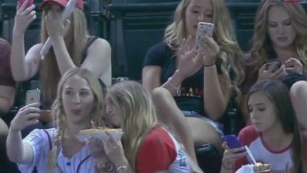 Ecco cosa fanno le ragazze quando vanno allo stadio