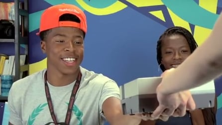 """""""Cos'è questo?"""", le reazioni di giovanissimi quando vedono un Nintendo"""